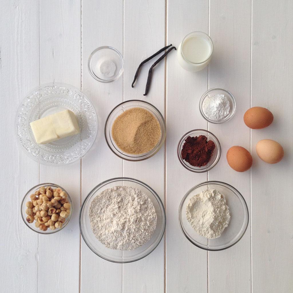 torta_cioccolato_e_nocciole_ingredienti
