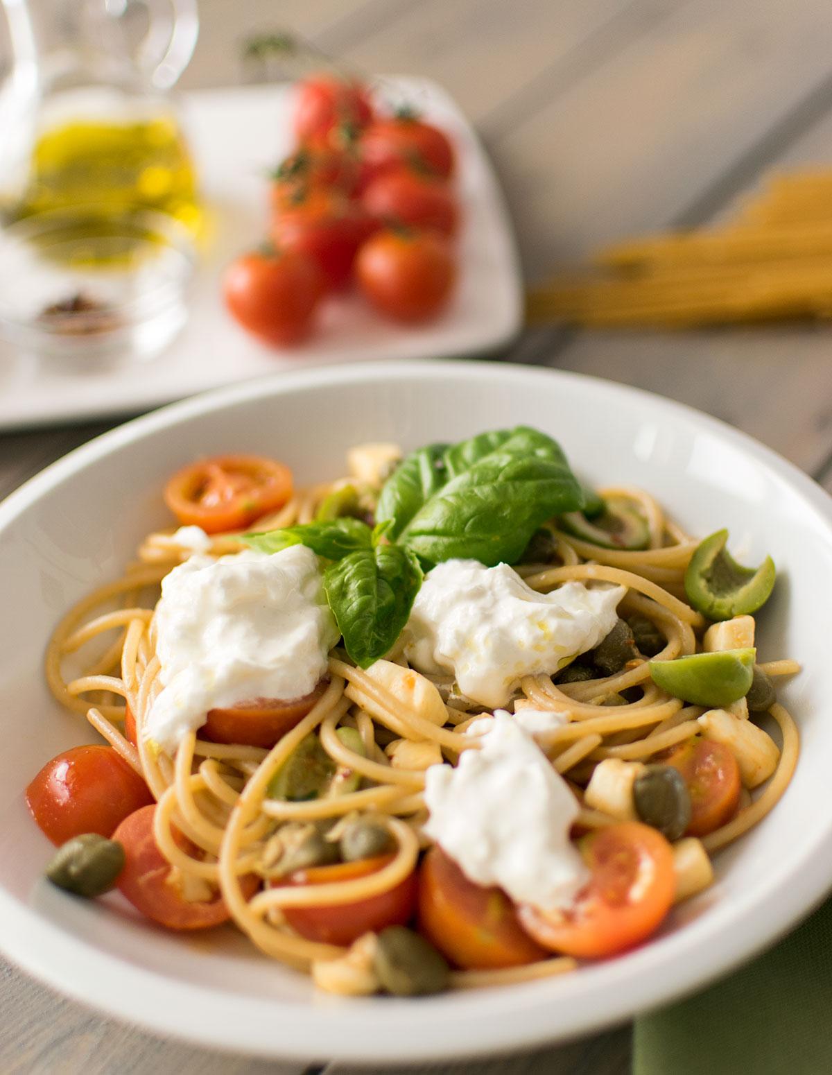 spaghetti_integrali_pomodorini_burrata_ricetta