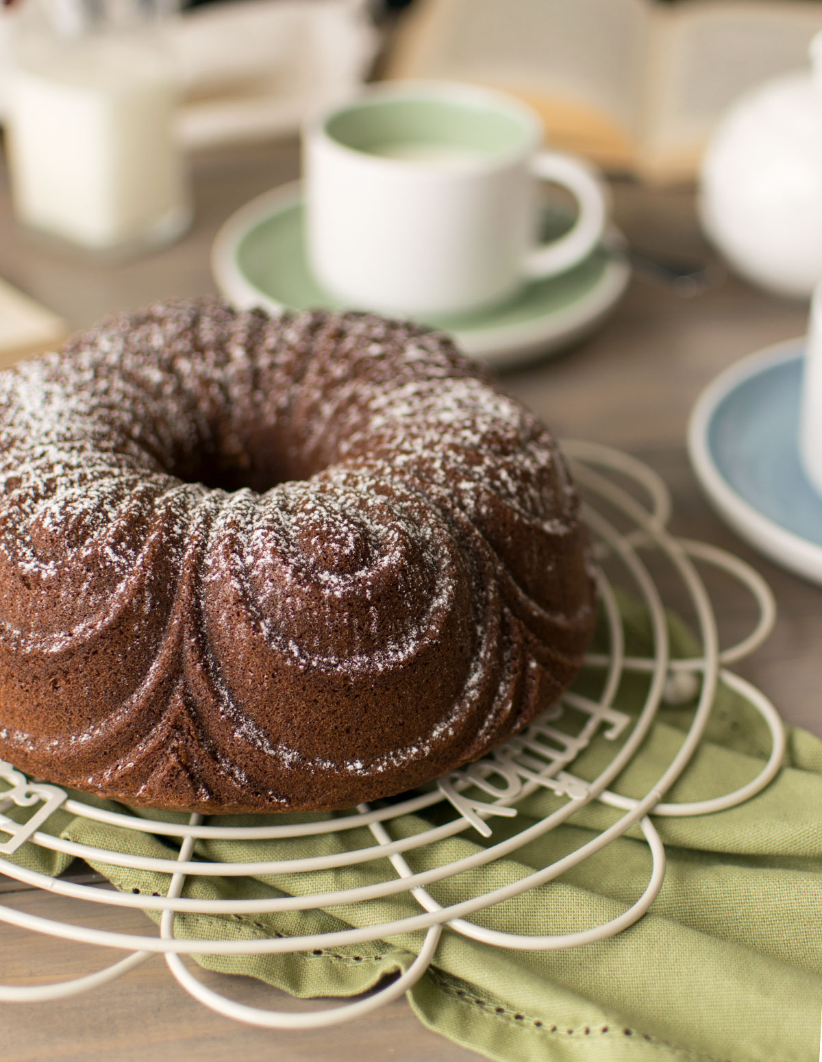 hot_milk_chocolate_sponge_cake_ricetta