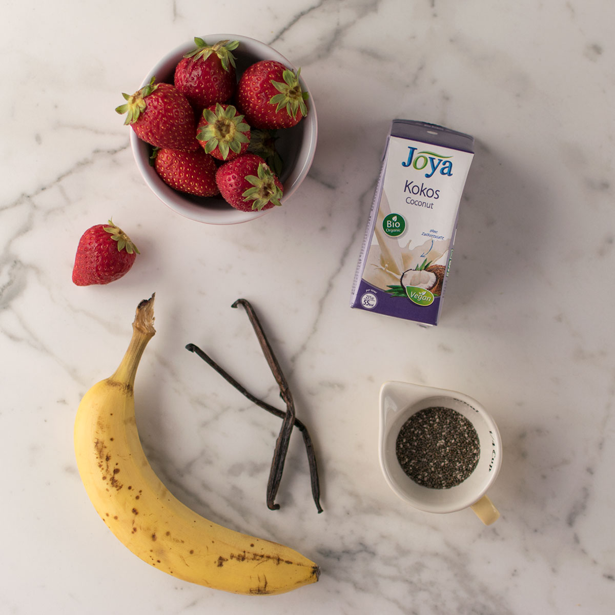 smoothie_fragole_banana_ingredienti