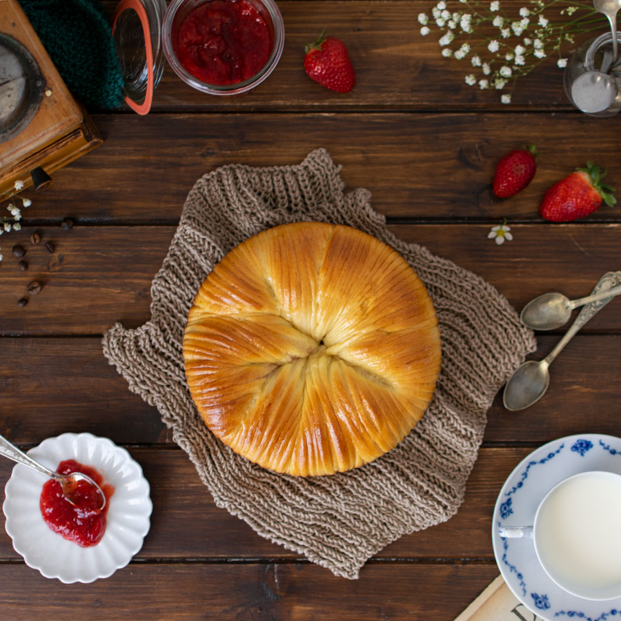 wool_roll_sweet_bread_confettura_fragole_ricetta_3